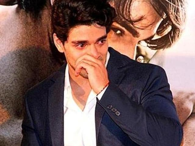 Before Sooraj pancholi, rumours were rife that Fawad Khan will step into the shoes of Sunil Shetty for Dhadkan remake.