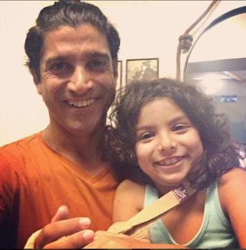 Farhan Akhtar took to instagram on Monday to post a selfie with his youngest daughter Akira.
