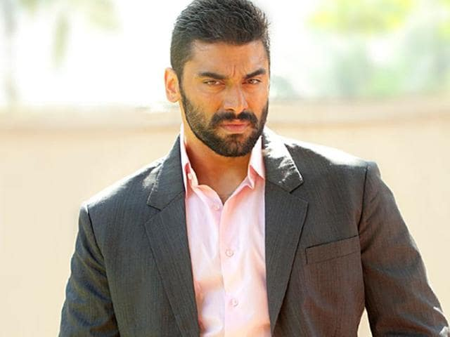 Nikitin Dheer likes to go with the flow. He says he has done films for a pittance, as he believed in the subject.