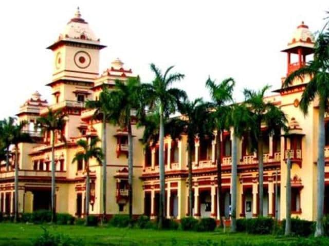 Police on Tuesday averted a possible clash between ABVP activists and JNU leaders who demanded the   revocation of suspension ofover half a dozen Banaras Hindu University (BHU) students.