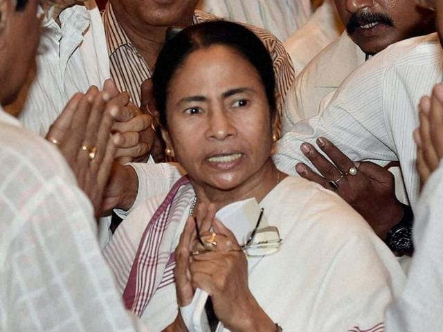 West Bengal chief minister Mamata Banerjee with industrialists during a felicitation function organised for her by the leading business chambers in Kolkata on Tuesday.