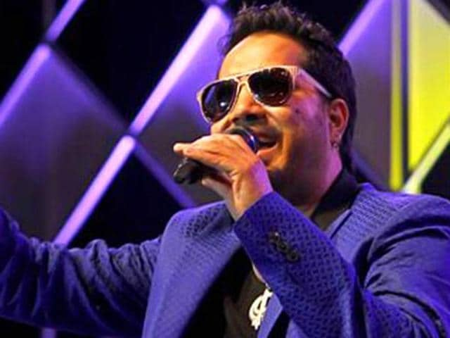 Arijit Singh caused an online storm when he posted a public apology addressed to Salman Khan seeking his forgiveness and begging that his song be retained in Sultan. However, the song was replaced by a version done Rahet Fateh Ali Khan.