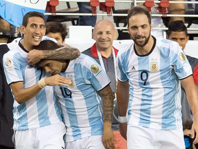 Argentina's players celebrate Angel Di Maria's goal.