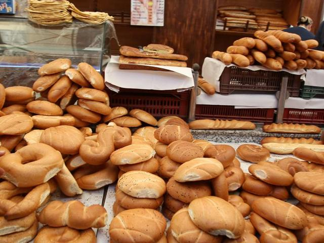 City diners are refraining from bread and bread products