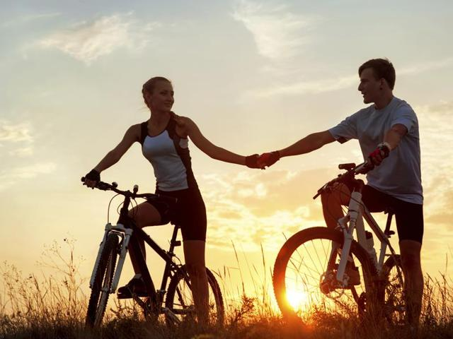 Staying fit during a vacation is possible! Ditch taking cabs for to explore the cities, and walk instead.(iStockphoto)