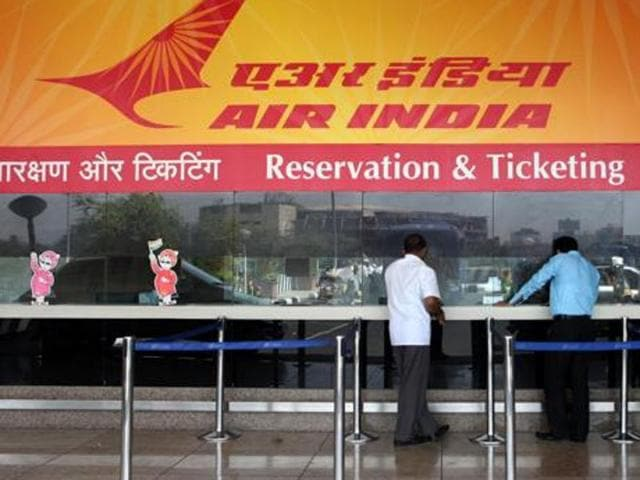 Among other measures — as reported by HT on June 2 — airlines may have to pay a stiff fine for turning away flyers due to overbooking of flights, allow passengers a few extra kilos of baggage for free or at a nominal cost, and cap fares in emergency conditions.(Kalpak Pathak/HT Photo)