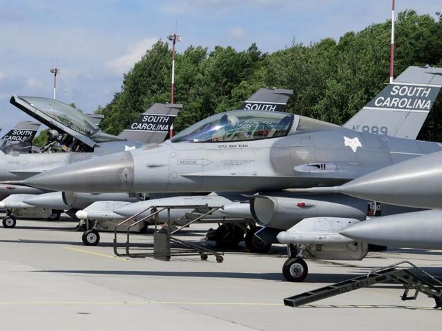 F-16 fighter jets collide midair,National Guard,South Carolina