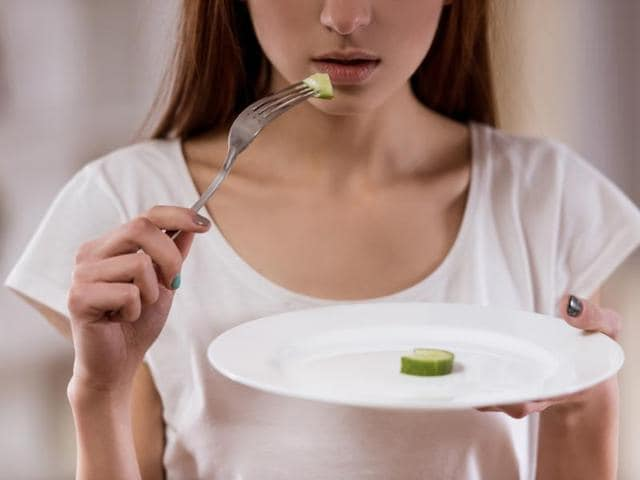 Therapeutic approaches such as cognitive remediation and mindfulness therapy can have a beneficial effect on people suffering from anorexia nervosa.