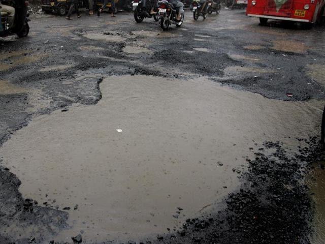 Monsoon audit,Mumbai rains,potholes
