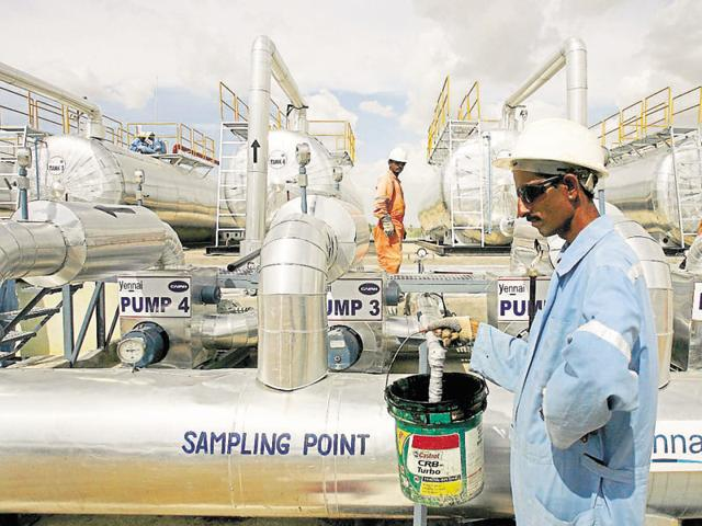 India beats Japan to become world's 3rd largest oil consumer, US stays on top