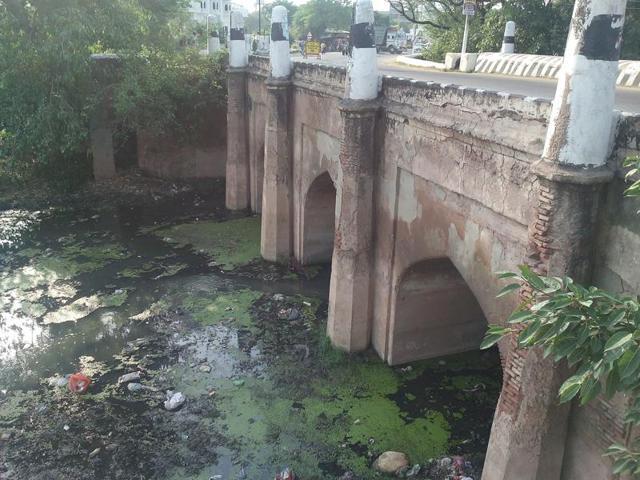 Mughal Bridge,Anjali Bhawra,Jahangir