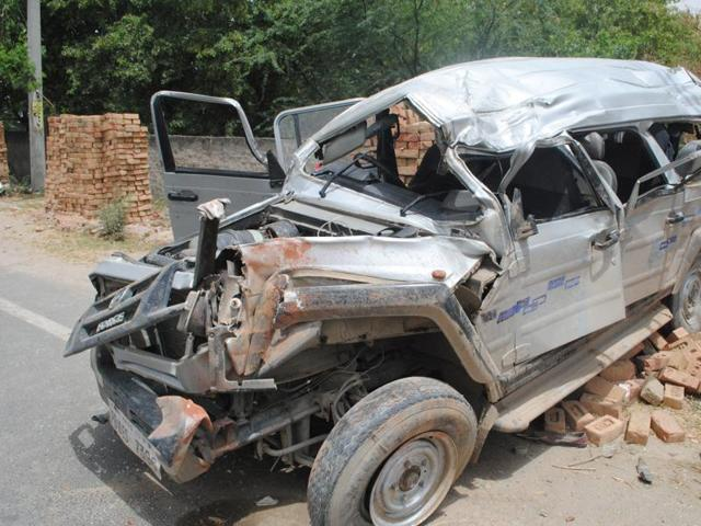 Over 146,000 Indians died in road accidents last year, or over 400 a day, according to the latest statistics of the transport ministry. The actual number might be much more