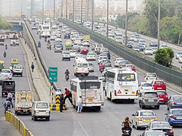 The Delhi-Gurgaon Expressway. A government report says drivers' fault accounted for 77 % of road accidents in 2015.