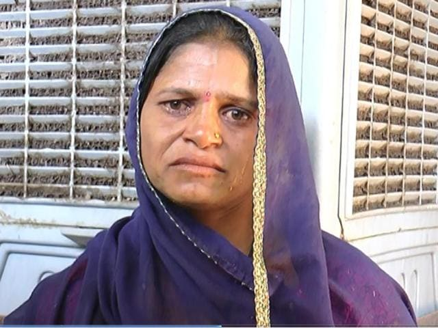 MP village banishes woman,woman punished for husband's crime,Alirajpur