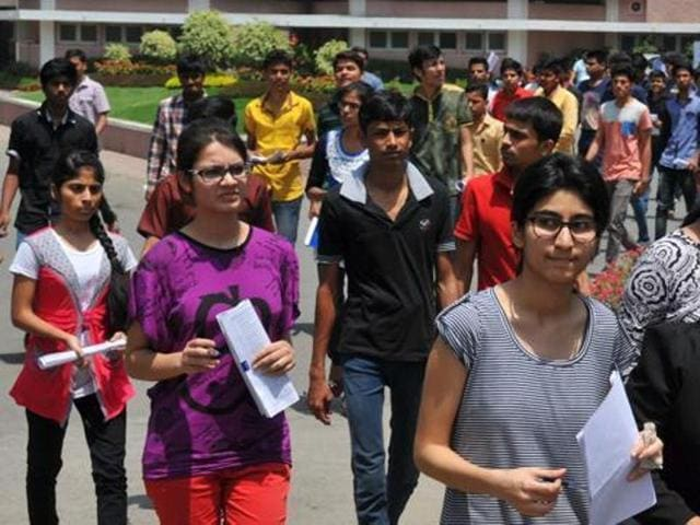 A total of 15,677 candidates are taking the PMET for 700 MBBS and 500 BDS government quota seats in 21 medical and dental colleges in the state.