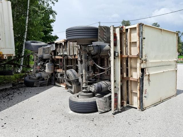 Truck-bus collission,Accident,National Highway 57