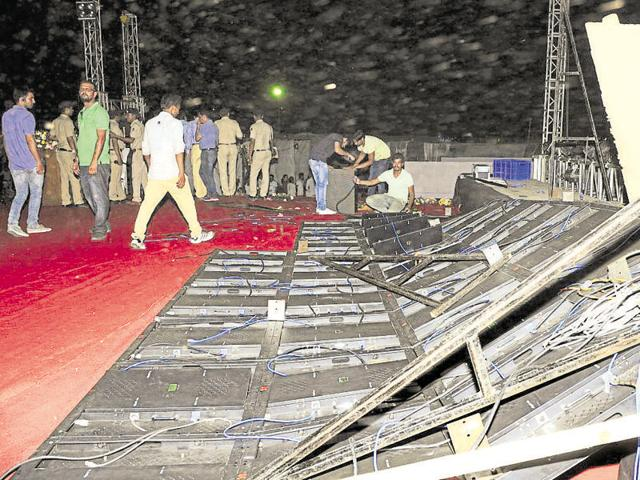 The stage of the yoga festival crashed after heavy storm disrupted the proceedings at Parade Ground in Sector 17, Chandigarh, on Friday.