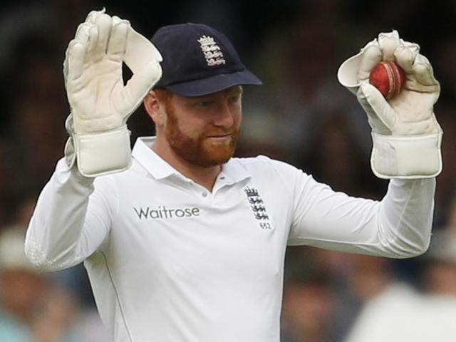 Bairstow (L) reacts after dropping Karunaratne.