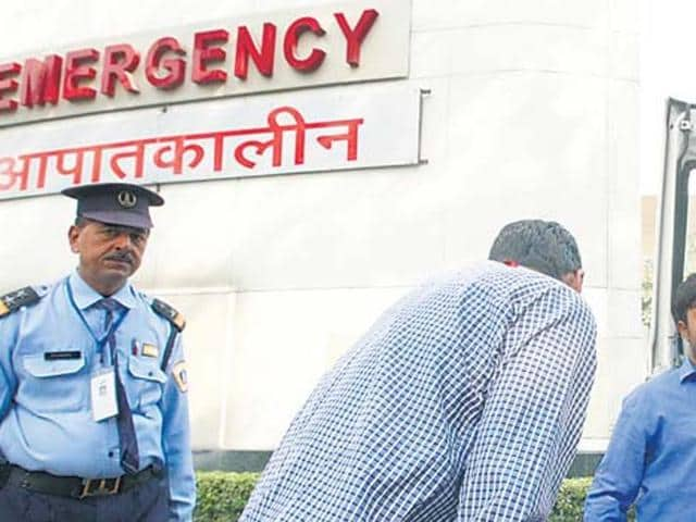 Damoh collector,Damoh collector's mother dies,Medical services in INdia