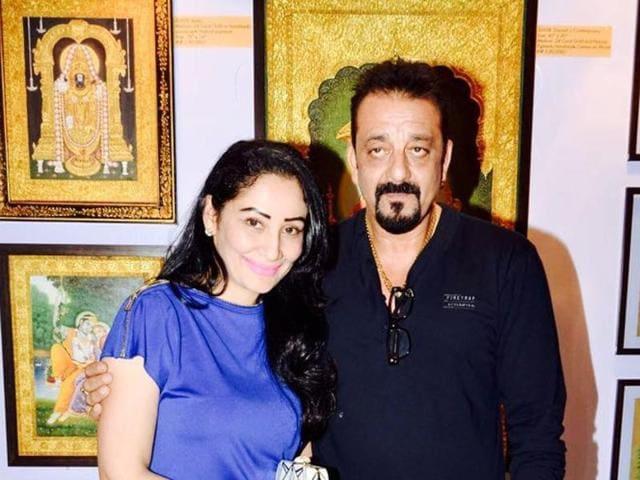 Sanjay Dutt gifts wife Manyata a 24 karat gold Ganesha ...