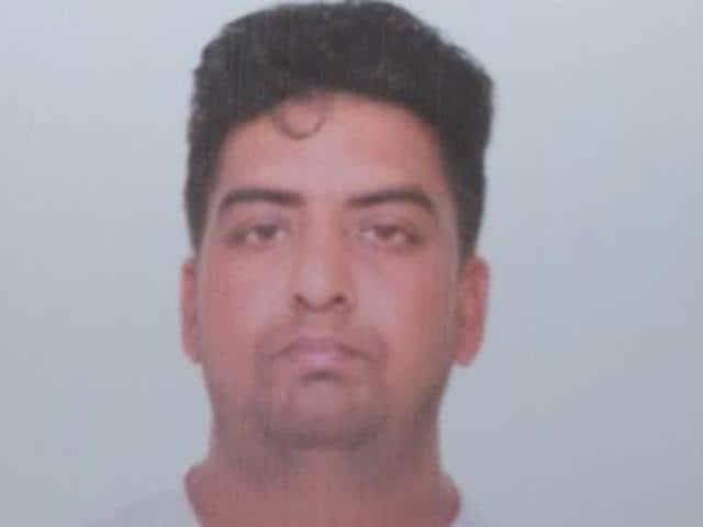 Faridkot,Dera Sacha Sauda,man shot at