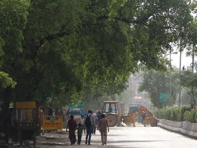 Traffic has been diverted to Sector 58 for those going towards Labour Chowk.