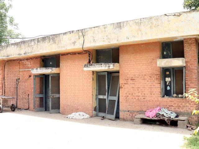 Bathinda mortuary,garbage dump,attendants