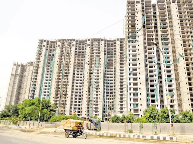 According to the complaint, Singh had booked an apartment in Unitech's Horizon project at Greater Noida in May 2006.