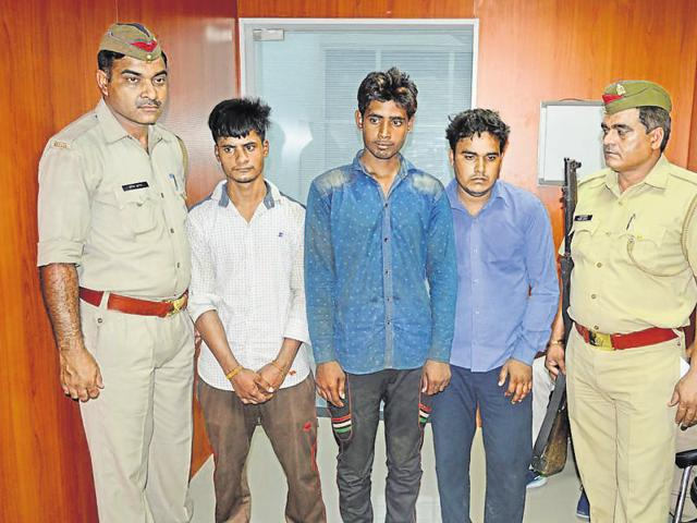 The accused would lure delivery persons to deserted locations and rob them of the gold coins, the police said.