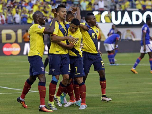 Ecuador midfielder Cristian Noboa (6) celebrates with teammates after scoring a goal in the second half against Haiti during the group stage of the 2016 Copa America Centenario at MetLife Stadium.