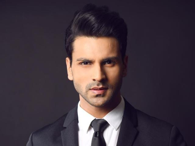 Actor Vivek Dahiya says his family is very supportive about his work commitments and have taken the burden of marriage preparations.
