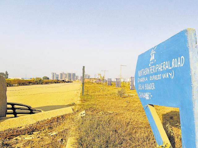 With the TOD policy approved, an 800 metre area along the metro route on Dwarka Expressway will get additional FAR of 3.5 for the first 500 metres and 2.5 for the remaining portion.(ABHINAV SAHA/HT FILE)