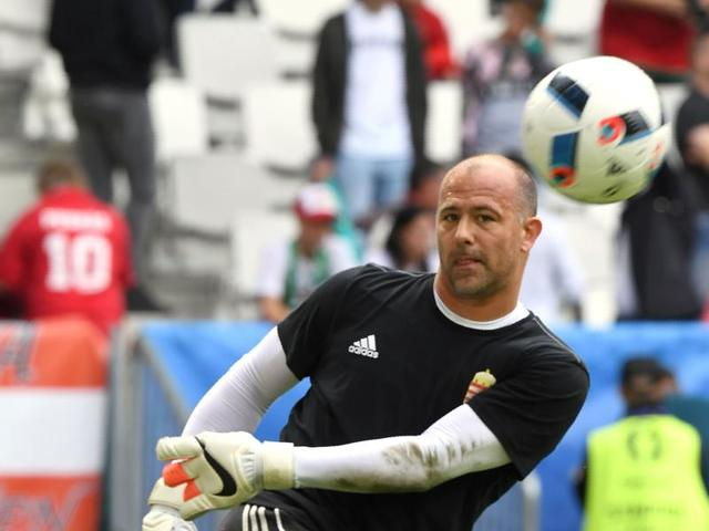 Hungary's goalkeeper Gabor Kiraly warms up before the start of the Euro 2016 group F football match between Hungary and Austria at the Matmut Atlantique stadium in Bordeaux.
