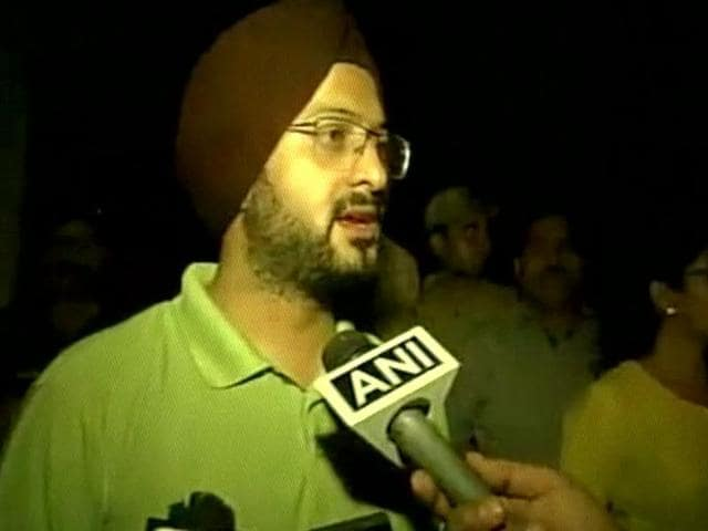 Jammu deputy commissioner Simrandeep Singh briefs journalists about the law and order situation in the city.