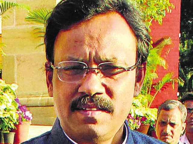 Students and teachers in Mumbai schools were shocked to find photos of education minister Vinod Tawde published on the Class 10 aptitude test reports given to them on Wednesday.