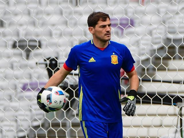Spain's goalkeeper Iker Casillas attends a training session in Toulouse.
