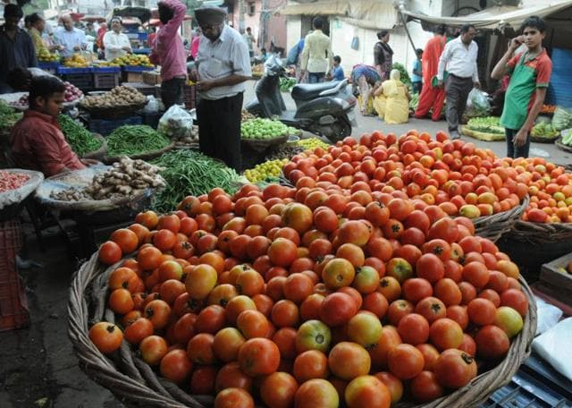 The price of a crate of tomatoes was between Rs 800 and Rs1,000 on Wednesday. There is a shortage in supply as local production has almost dried up.