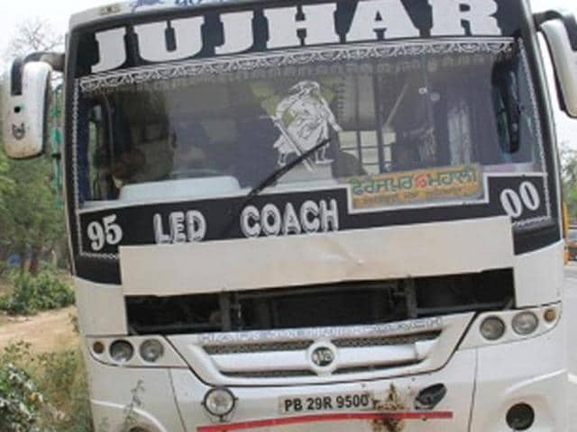 Inconsolable wife of Sharwan Kumar Sahu, who was crushed to death by a Jujhar company private bus near Bhanora Village on Ferozepur Road in Ludhiana Wednesday.