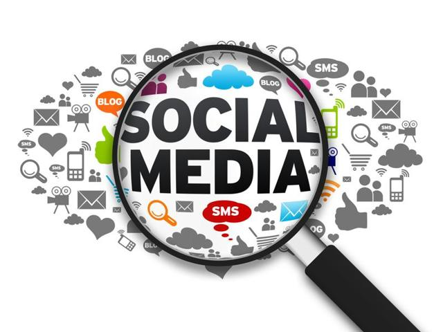 Facebook, Twitter, WhatsApp, LinkedIn and Google+ are the top social media networks in terms of users and revenue.(Fotolia)