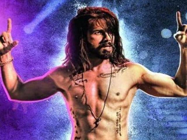 Actors urge audience to watch Udta Punjab in theatres.