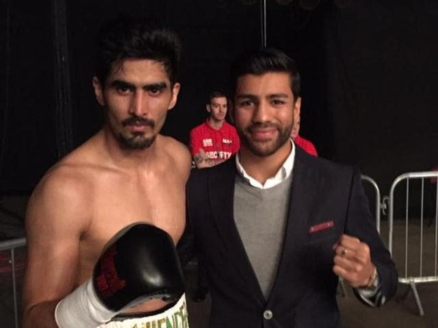 Sanjeev Singh Sahota (right)has been roped in to fight in one of the six supporting contests during Vijender Singh's WBO Asia title bout against Kerry Hope.