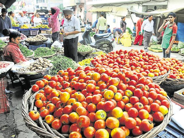 Tomatoes are being sold at a price of  Rs 30-40 per kg on e-portals.