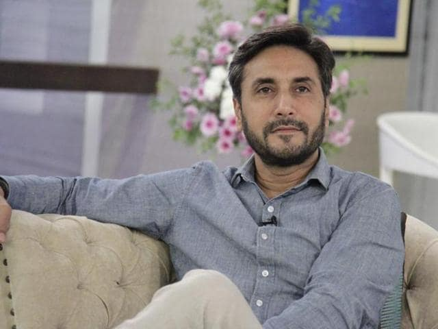 Pakistan actor Adnan Siddiqui is not keen on working in Bollywood films right now. He feels there is no point in  both industries trying to copy each other.