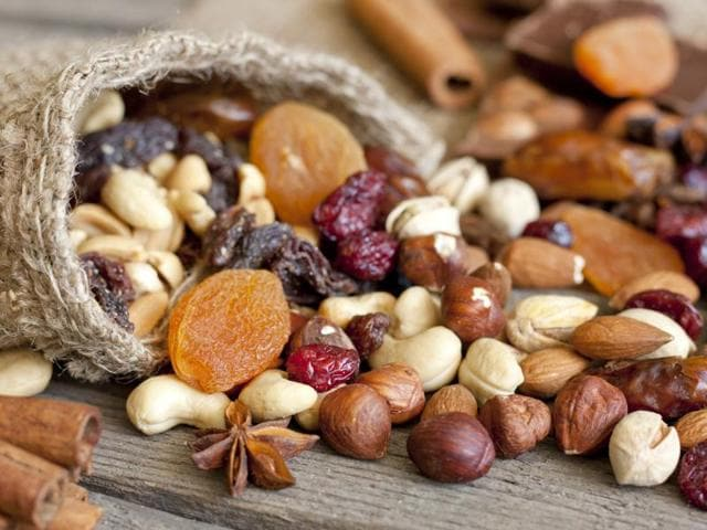 People who consume nuts five or more times in a week have a 34% decreased risk of mortality due to prostate cancer in comparison to those who consume nuts less than once per month, finds a new study.