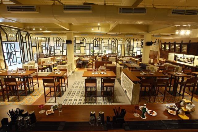 hotel restaurants,hyatt regency,golden dragon