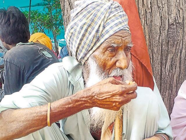 Labourer,heart attack,farmers' protest