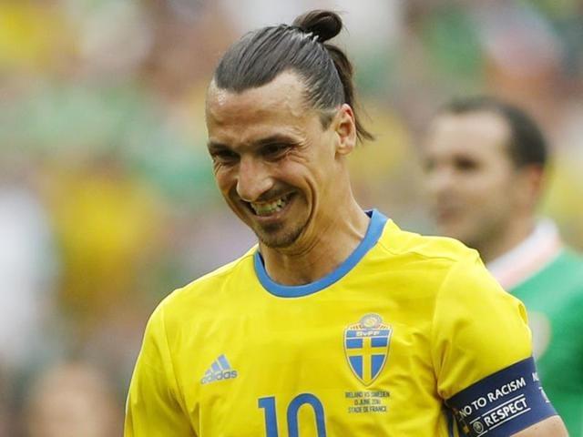 Italy's coach Antonio Conte has a nose bleed during the Euro 2016 group E football match.