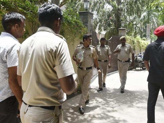 The Delhi Police on Friday arrested the alleged mastermind behind the robbery and murder of a businessman in the posh DLF farms in Chhatarpur in the early hours of Thursday. This is the sixth arrest in the case.