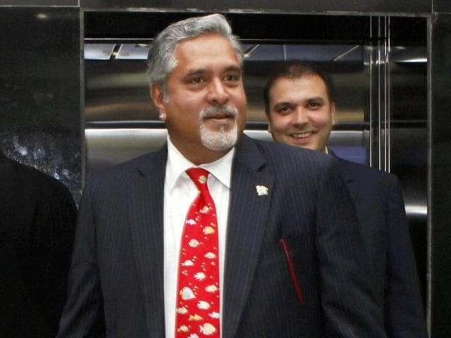 Author Suhel Seth tweeted that Indian envoy Navtej Sarna left his book launch event in London after seeing Vijay Mallya.