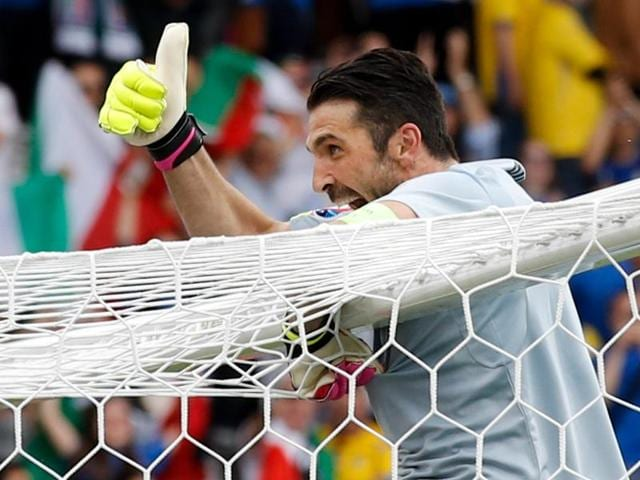 Italy goalkeeper Gianluigi Buffon celebrates at the end of the Euro 2016 Group E win over Sweden at the Stadium municipal in Toulouse, France, Friday, June 17, 2016. Italy won 1-0. (AP Photo/Andrew Medichini)